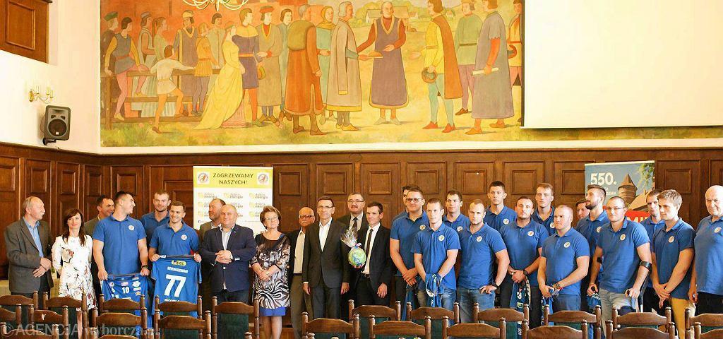 Prezentacja drużyny Warmii Traveland Olsztyn w ratuszu