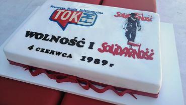 Święto Wolności w TOK FM. Wspólne śpiewanie hymnu i tort w 30. rocznicę wyborów 4 czerwca 1989 r.