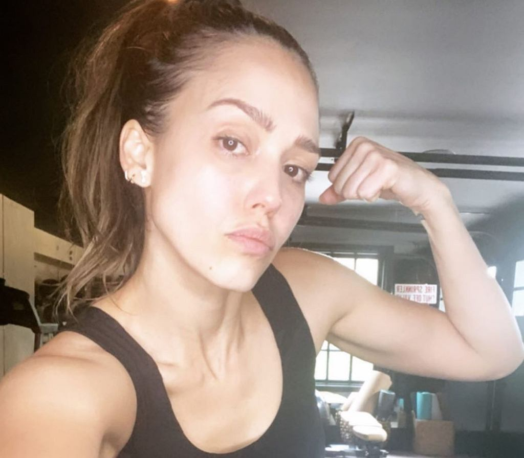 Jessica Alba - trening na pośladki