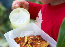 Placuszki z kukurydzy z sosem jogurtowo-miętowym - ugotuj