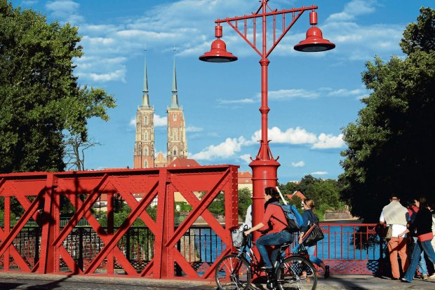 Wrocławianie bardzo sobie chwalą ofertę kulturalno-rekreacyjną swojego miasta. Na 5 oceniają też tempo rozwoju i inwestycji
