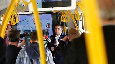 - Tramwaj na południe powstanie na 100 proc. Ta inwestycja jest bardzo potrzebna i tysiące mieszkańców chcą jej realizacji - mówi prezydent Katowic Marcin Krupa