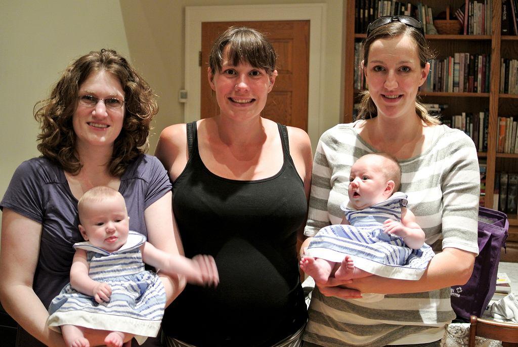 Czy ciąża może być zaraźliwa wśród znajomych?