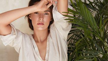 KBeauty.,Portrait,Of,Woman,Against,Tropical,Greenery.,Beautiful,Model,Posing