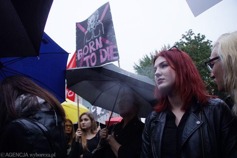 Zdjęcie numer 71 w galerii - Czarny protest w Zielonej Górze: