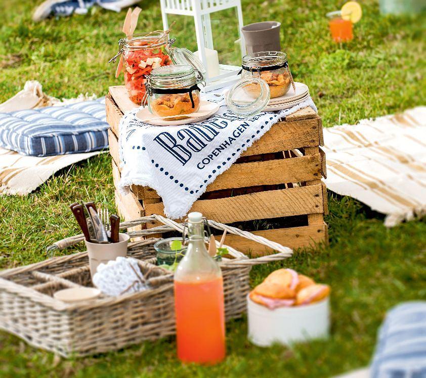 Śniadanie na trawie - piknik