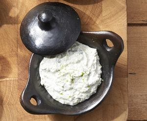 Indyjski sos jogurtowy raita
