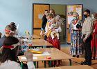 Tłumy wyborców na Podhalu. Trzeba dowozić czyste karty do głosowania do komisji