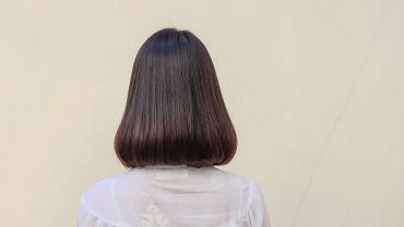 Proste włosy do ramion