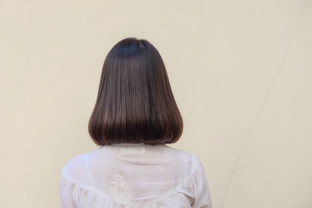 Komu Pasują Proste Włosy Do Ramion Moda I Trendy