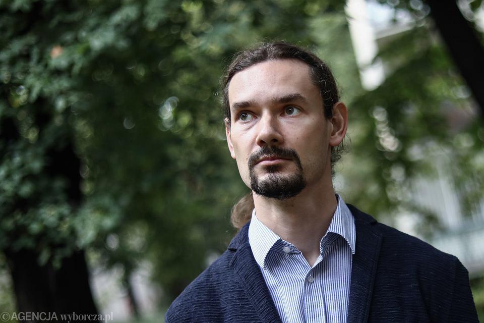 Radek Rak, finalista Nagrody Literackiej Nike 2020 za powieść 'Baśń o wężowym sercu albo wtóre słowo o Jakobie Szeli'