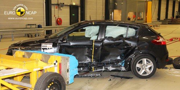Test zderzeniowy Renault Megane