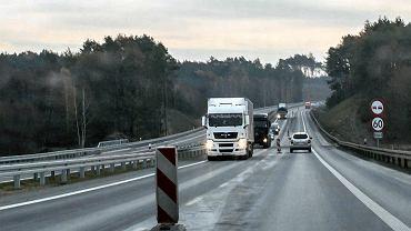 Armageddon na święta? Niektóre drogi przekazane w tym roku mogą być wciąż placem budowy. Drogowcy walczą