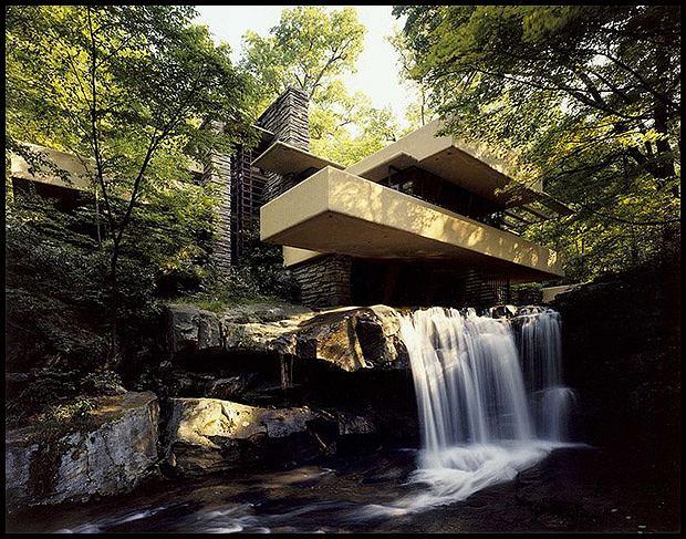 Dom nad wodospadem. proj. Frank Lloyd Wright