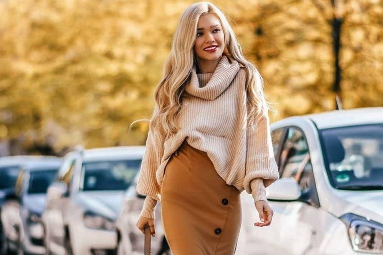 Modne swetry - najmodniejsze fasony na jesień i zimę