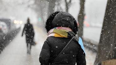 Ostrzeżenia IMGW i RCB. Meteorolodzy ostrzegają przed deszczem, wiatrem i śniegiem (zdjęcie ilustracyjne)