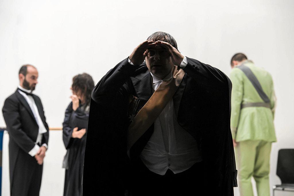 Spektakl 'Leonce i Lena' w reżyserii Thoma Luza z Bazylei  / THEN