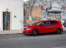 """Volkswagen Golf GTI TCR - nowa, """"wyścigowa"""" wersja hot hatcha już w Polsce"""