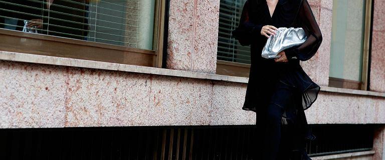 Najpiękniejsze czarne sukienki na jesień. Mamy top 18 modeli, które kupisz w mega niskiej cenie