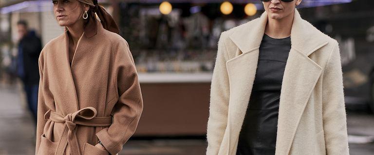 Te płaszcze Monki są za 129 złotych! Proste, ponadczasowe i ciepłe modele kupisz na wyprzedaży