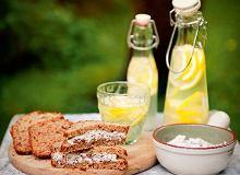 Kanapki z chleba daktylowego z boczkiem - ugotuj