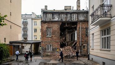 Zawalona kamienica na ulicu Poznanskiej 21 w Warszawie