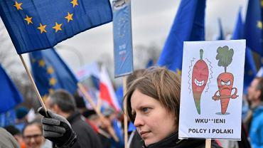 Uczestnicy Marszu ' Kocham Cie, Europo ' w Warszawie