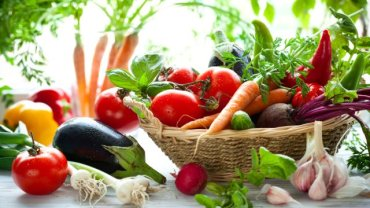 Źródłem steroli są m.in. warzywa i owoce