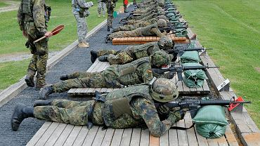 Żołnierze Bundeswehry w trakcie ćwiczeń (zdjęcie ilustracyjne)
