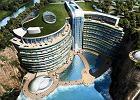 To będzie pierwszy taki budynek na świecie. Luksusowy hotel powstaje w kamieniołomie