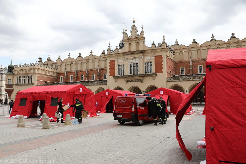Tymczasowy punkt szczepień na Rynku Głównym w Krakowie