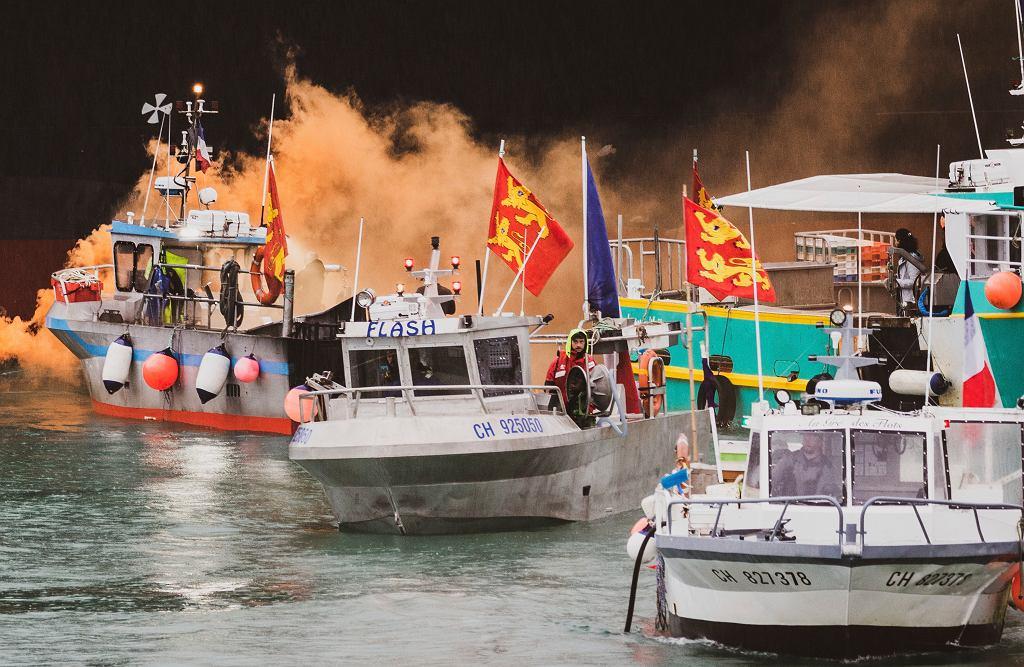 Protest francuskich łodzi rybackich na wodach wyspy Jersey