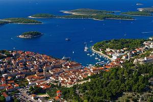 Miejsca w Chorwacji, które warto odwiedzić jesienią. Wśród nich jedna z najpiękniejszych wysp na świecie