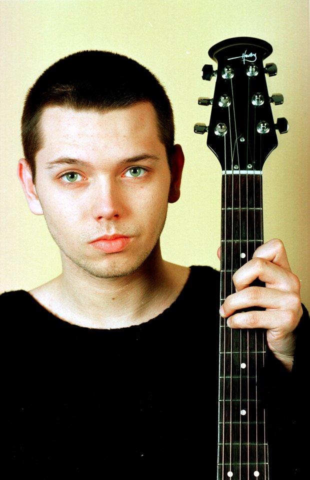 Legnica, 04-2000, Gabriel Fleszar - muzyk, zadebiutowal w filmie B. Lindy pt.