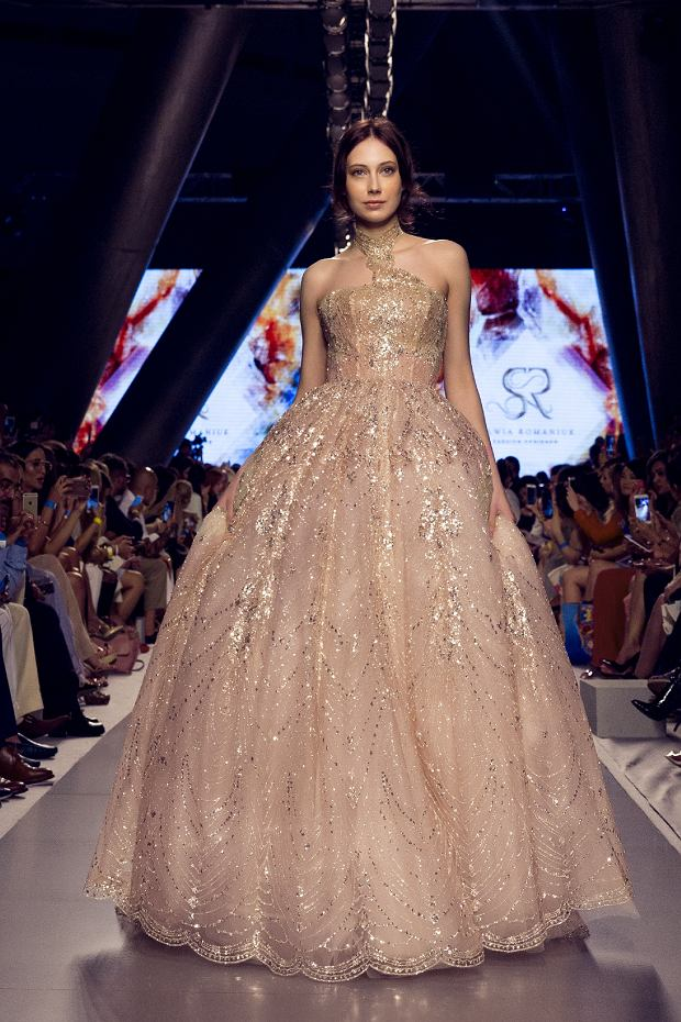 Suknia otwarcia, pokaz Sylwii Romaniuk na Arab Fashion Week w Dubaju