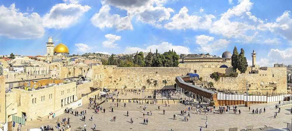 Izrael znowi niemal wszystkie restrykcje