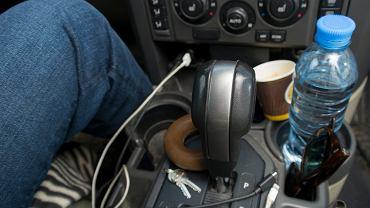 Czego nie wolno zostawiać w samochodzie podczas upałów?