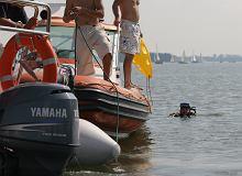 Poszukiwania na jeziorze Kisajno wznowione. 39-latek wypadł z motorówki