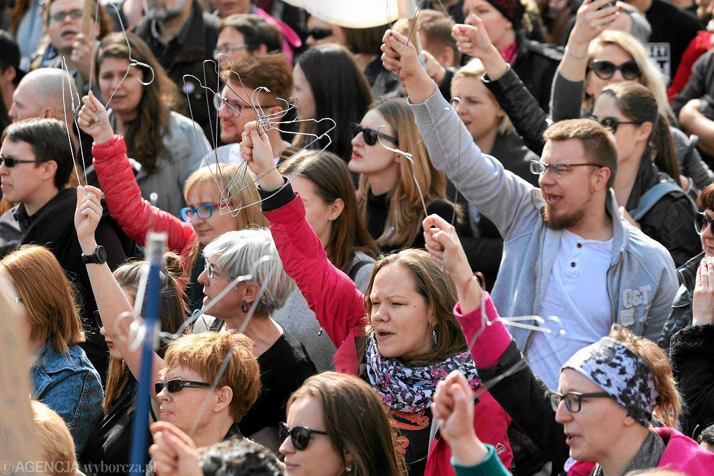 Niedzielny protest antyaborcyjny pod Sejmem