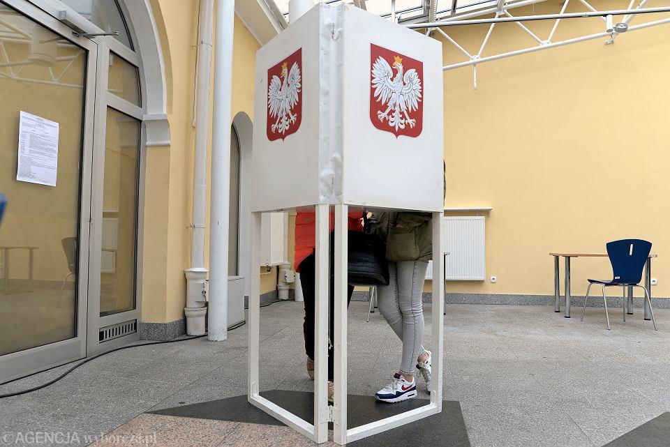 Głosowanie podczas wyborów europarlamentarnych w Olsztynie.