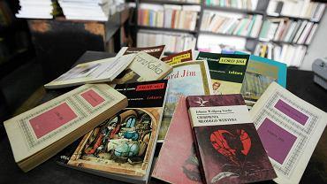 Do książek, które w kanonie lektur po prostu muszą się znaleźć, warto dodać takie, które sprawiałyby czytelnikom przyjemność