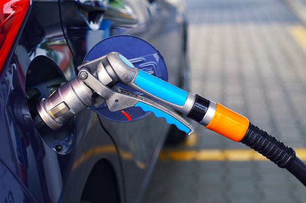 Sprzedaż paliw spadła o 8 proc. To kolejne skutki pandemii