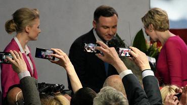 Andrzej Duda z rodziną podczas swojego wieczoru wyborczego