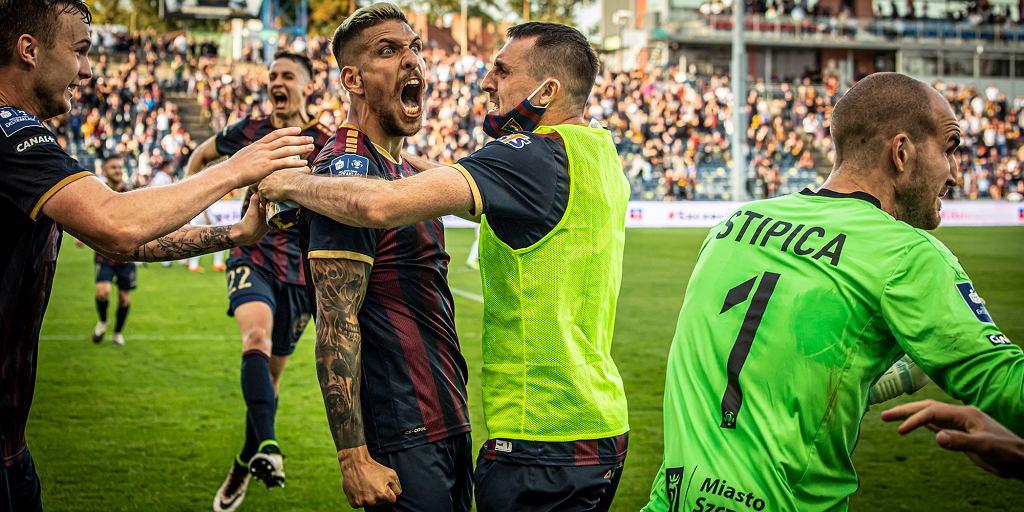 Konstantinos Triantafyllopoulos celebruje gola w meczu z Wisłą Kraków