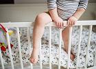 Dziecko spadło z łóżka. Jak postąpić w takiej sytuacji?