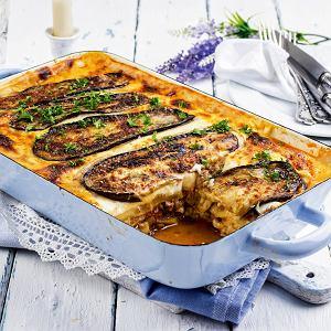 Zapiekanka (mussaka) z mielonym mięsem i bakłażanami