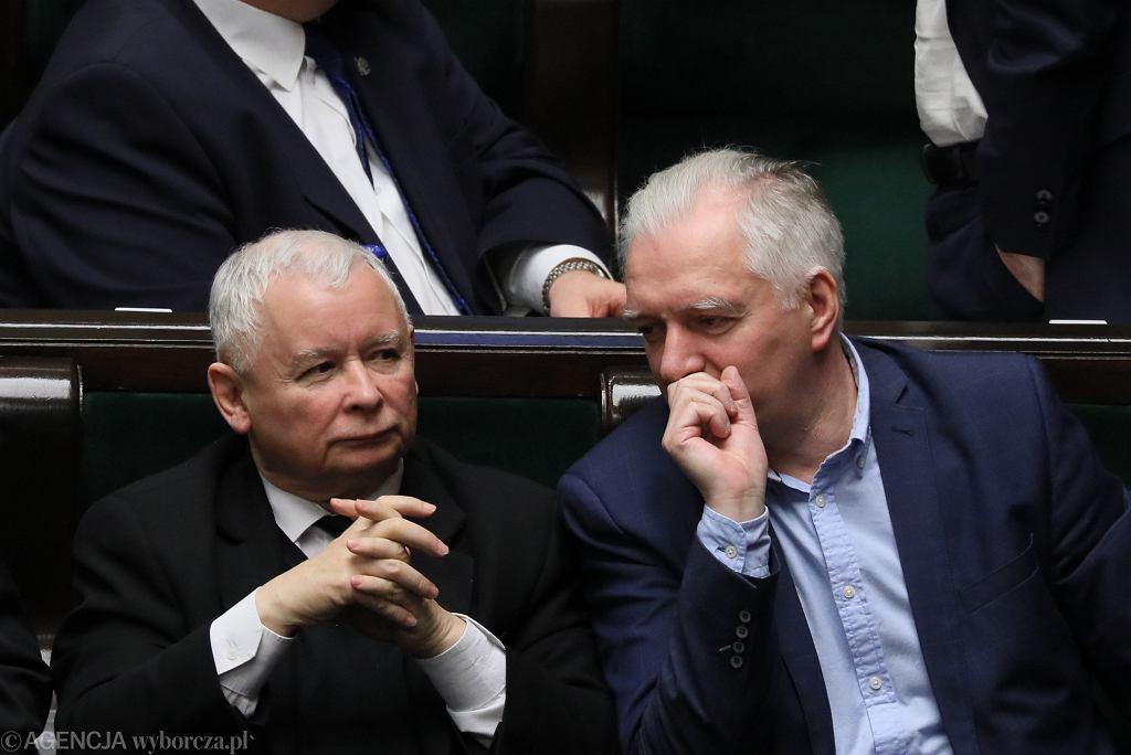 Prezes PiS Jarosław Kaczyński i jego koalicjant, wicepremier Jarosław Gowin. Warszawa, Sejm, 14 grudnia 2018