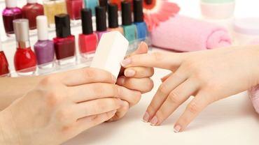 Bakterie odpowiedzialne za rozwój zanokcicy mogą przedostać sie organizmu w czasie zabiegu kosmetycznego