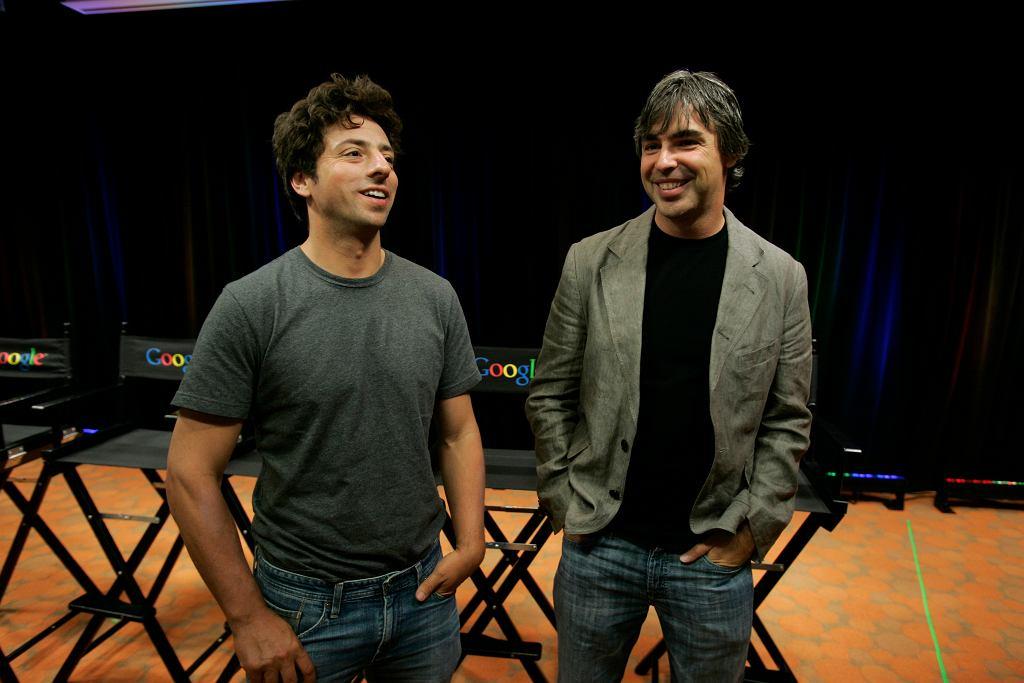 Założyciele Google na zdjęciu z 2008 roku - Sergey Brin po lewej i Larry Page po prawej