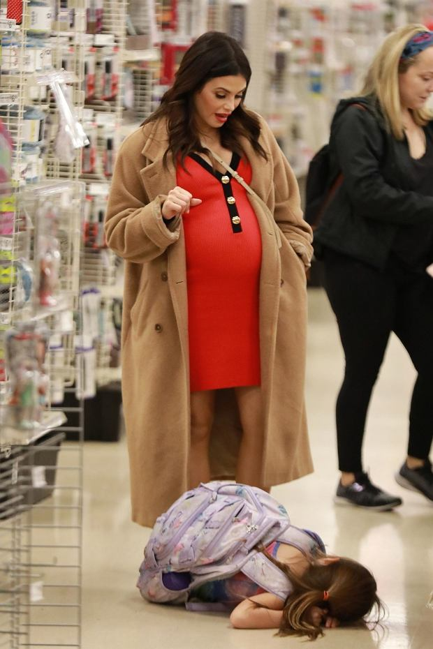 Los Angeles, CA  - *EXCLUSIVE* A very pregnant Jenna Dewan takes her daughter out for frozen yogurt and shopping at Michaels. Dewan showed off her growing baby bump in a snug-fitting red dress and watched as a playful Everly swung around on the handrails after enjoying their frozen yogurt treat.*UK Clients - Pictures Containing ChildrenPlease Pixelate Face Prior To Publication*, Image: 487267114, License: Rights-managed, Restrictions: , Model Release: no, Credit line: 4CRNS, WAGO / BACKGRID / Backgrid USA / ForumC%#
